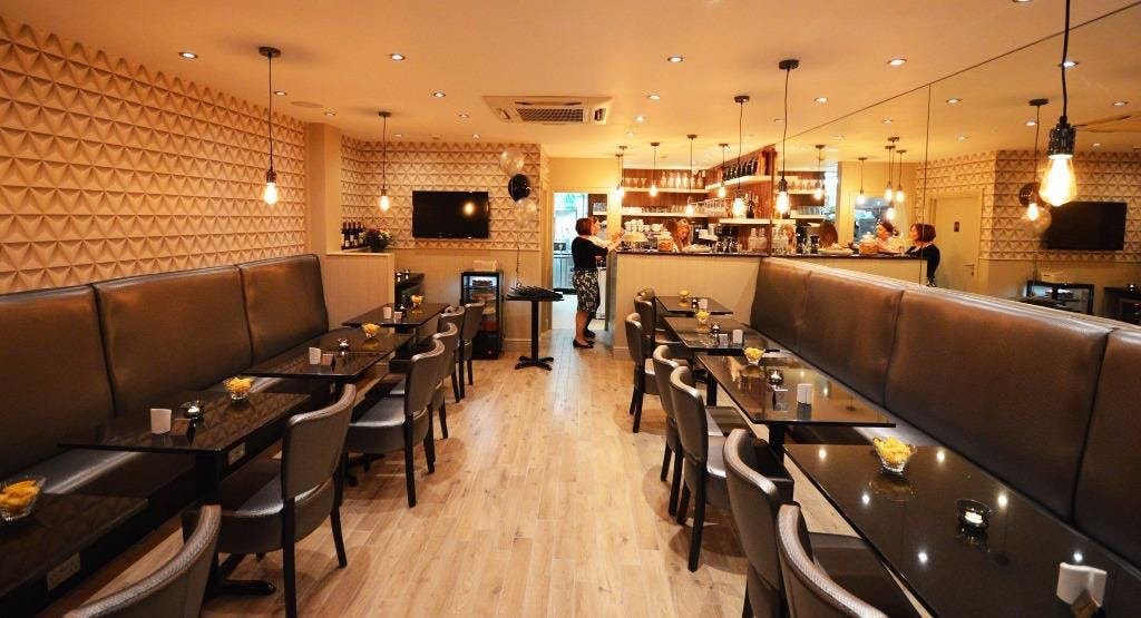 Light Tree Bistro Loughton image 1
