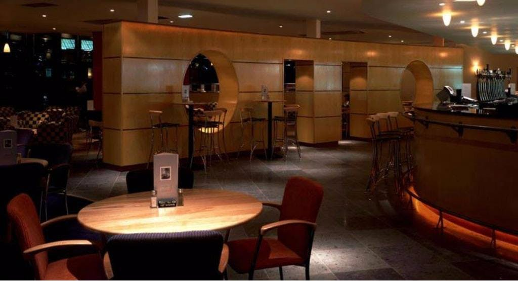 The Ritz Bar & Grill Edinburgh image 1
