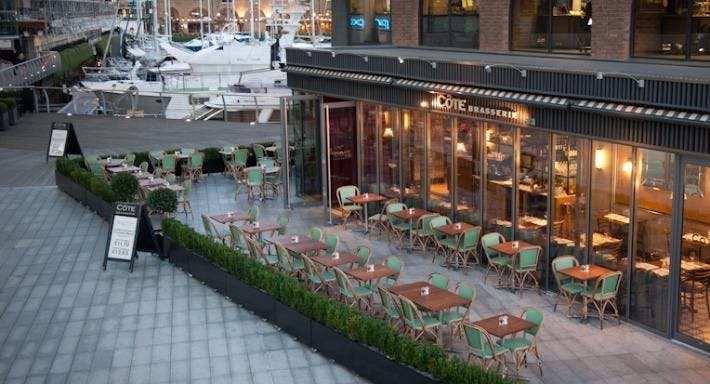 Côte St Katharine's Docks London image 3