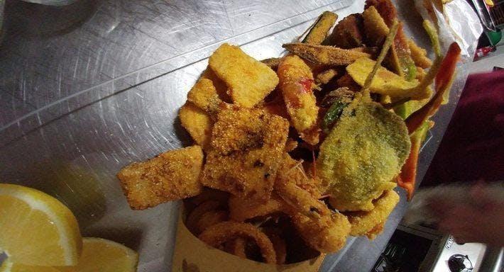 Lira Restaurant Napoli image 1