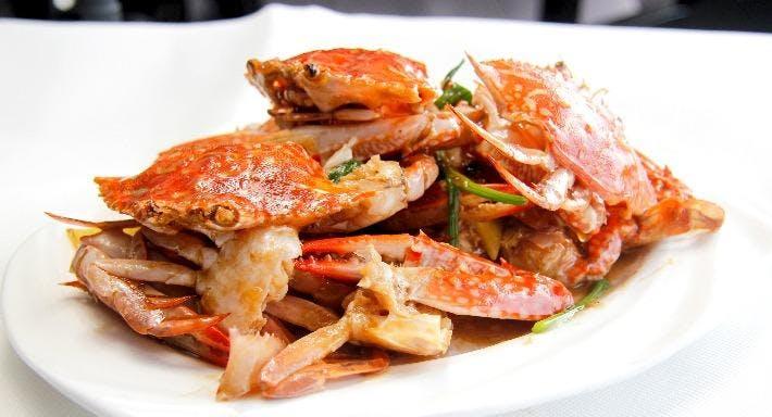 Small Seafood Noodle Singapore image 2