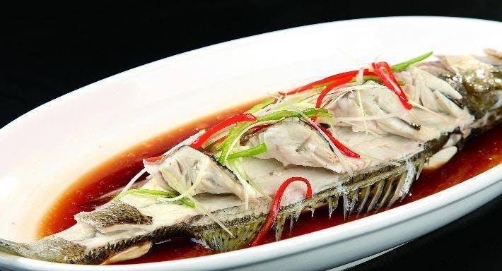 Small Seafood Noodle Singapore image 10