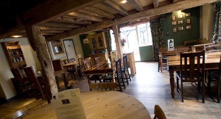 The Smugglers Inn Milford-on-Sea image 1