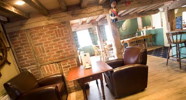 The Smugglers Inn Milford-on-Sea image 2