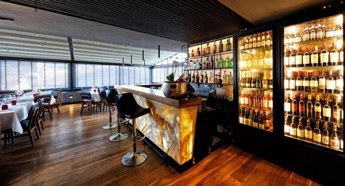 Toi Restaurant & Lounge