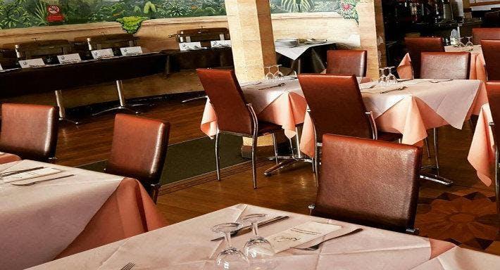 Khan's Restaurant London image 3