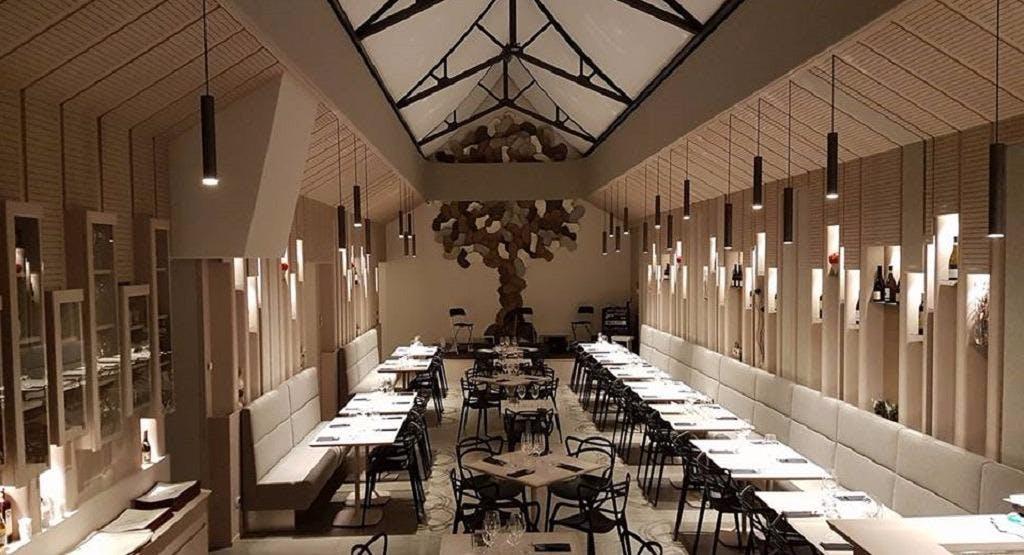 Hangout cafe Roma image 1