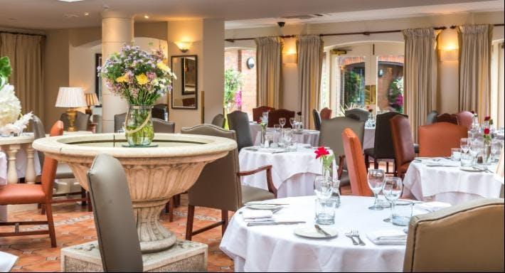 Ravello's Restaurant Newport image 3
