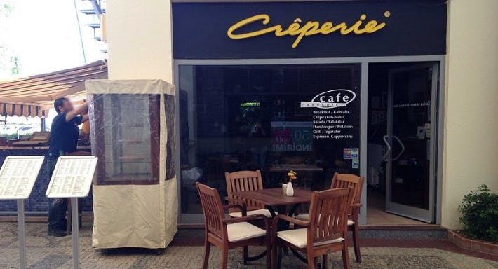 Creperie Cafe & Restaurant