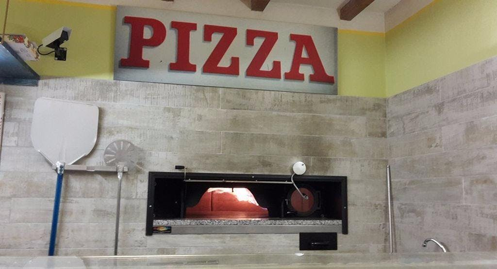 Pizzeria Piccolo Ingordo Pietrasanta image 1