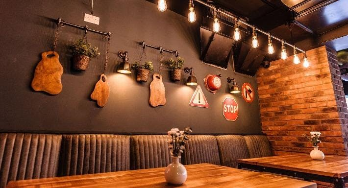 Firepit Smokehouse & Sports Bar - Southport Southport image 3