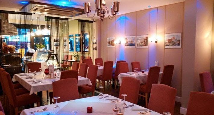 Tuana Restaurant London image 3