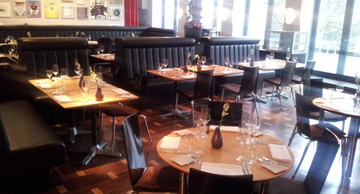 malkasten restaurant bar in d sseldorf pempelfort. Black Bedroom Furniture Sets. Home Design Ideas