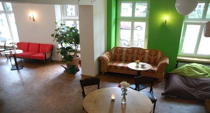 Cafe Blume an der Hasenheide Berlin image 2