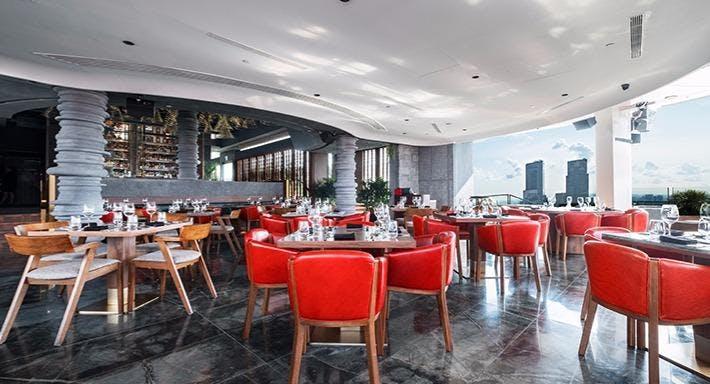CÉ LA VI Singapore image 3
