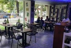 Cafe Moon Moda