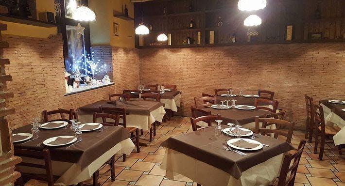 La Taverna Del Re Leone Napoli image 7