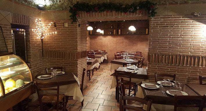 La Taverna Del Re Leone Napoli image 5