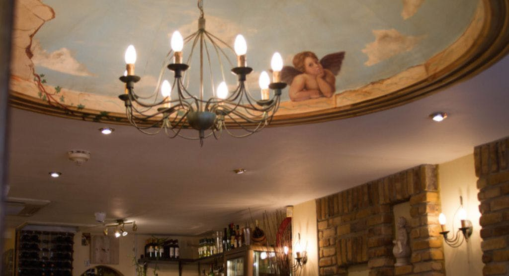 Old Amalfi London image 1