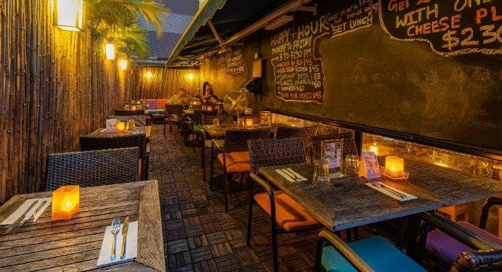 Aberdeen Street Restaurant Hong Kong image 1