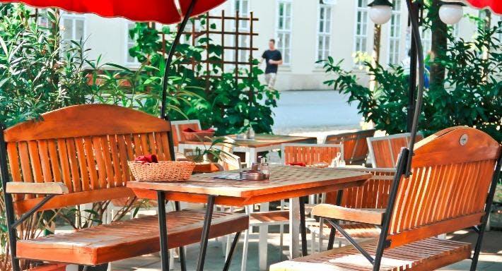 Bierheuriger zum Gangl Wien image 7