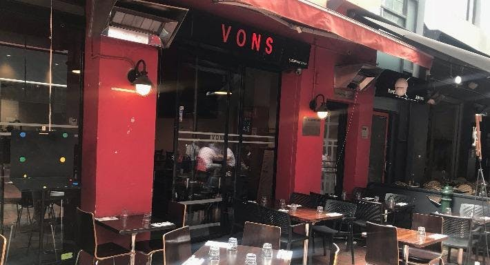 Vons Restaurant and Bar