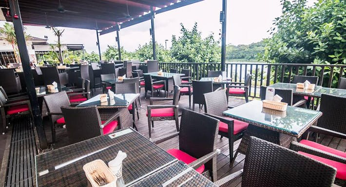 Cafe Frienzie Bar & Bistro Singapore image 3