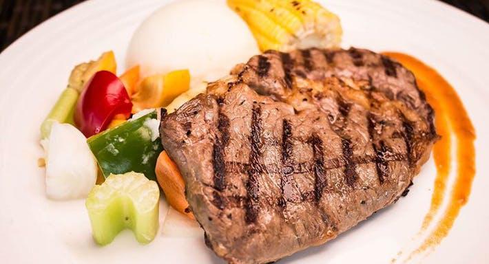 Cafe Frienzie Bar & Bistro Singapore image 8