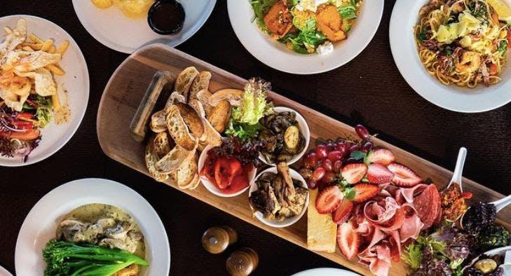 Photo of restaurant Lake Bar & Bistro - Raffertys Resort in Cams Wharf, Lake Macquarie