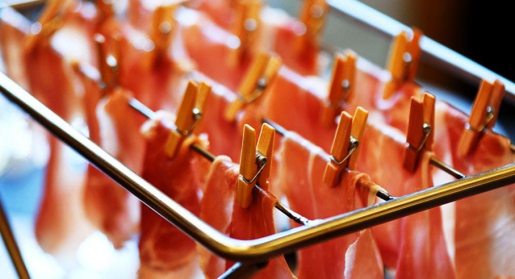 Degusto Enoteca con Cucina Cuneo image 1