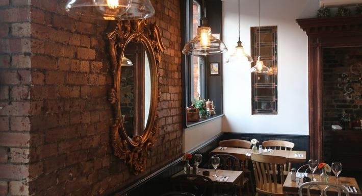 Montmartre Restaurant In London Crouch End Book Online