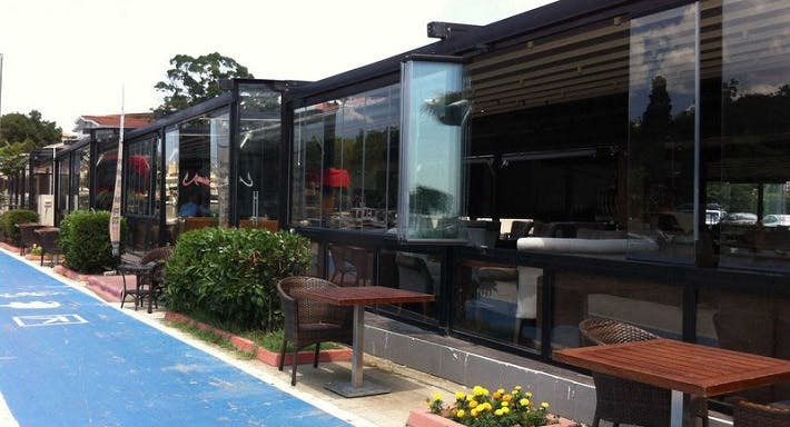 Azade Cafe & Restaurant