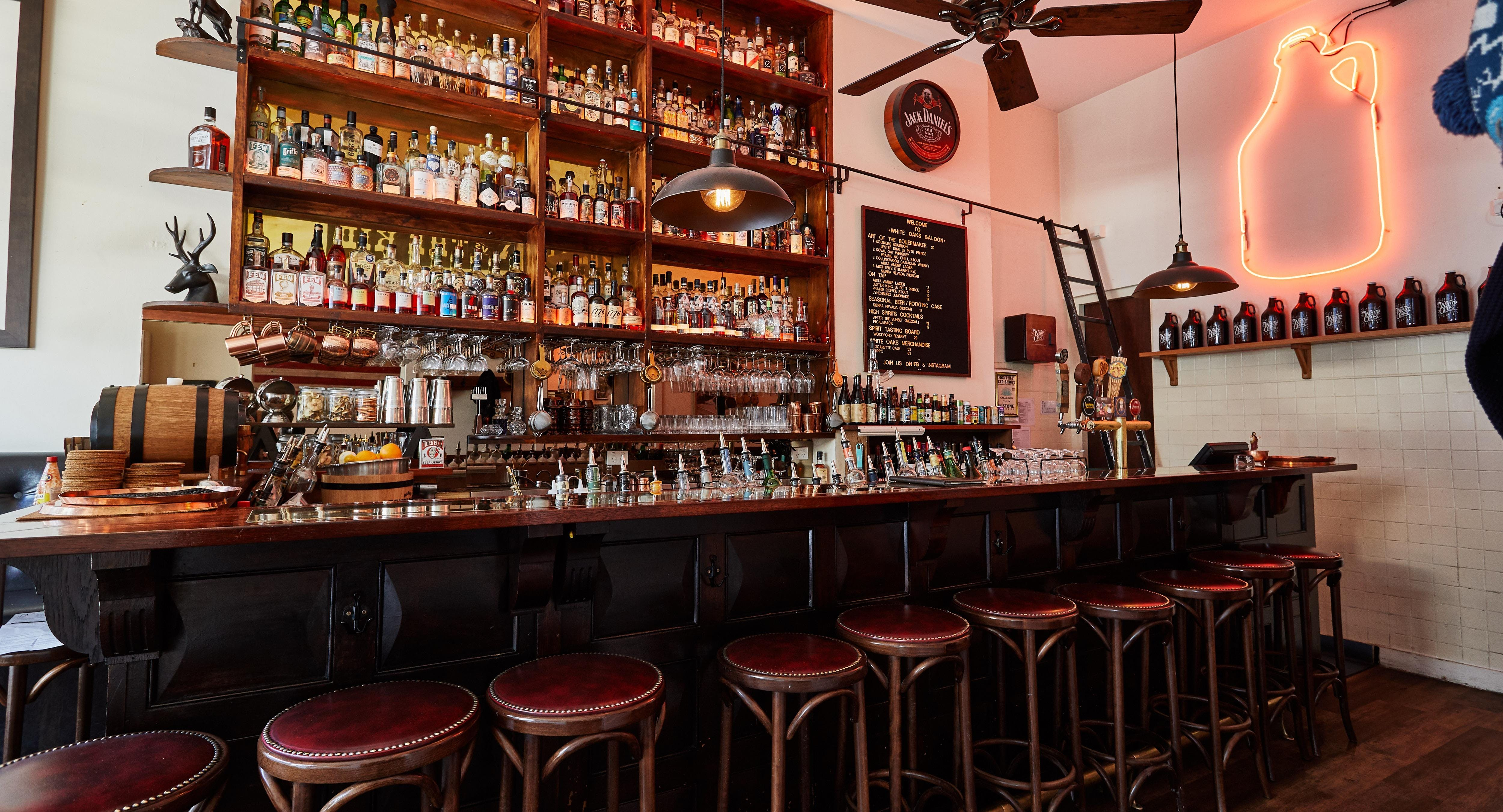 White Oaks Saloon Bar and Dining