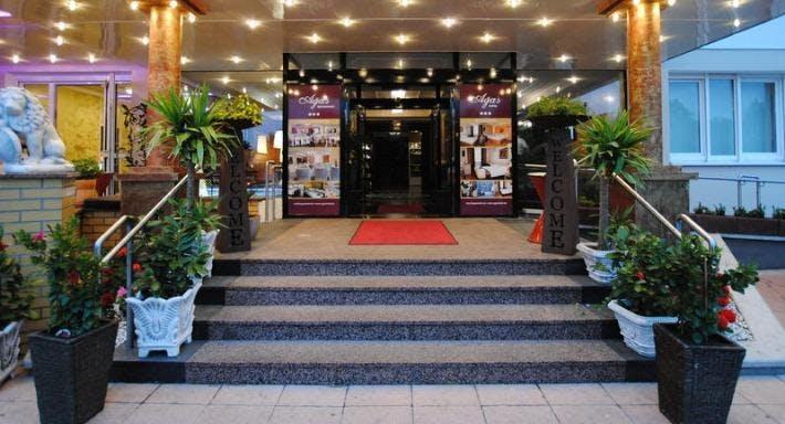 Aga's Hotel Berlin image 1