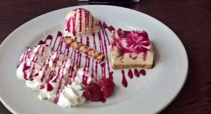 Ronaq Restaurant New Waverly