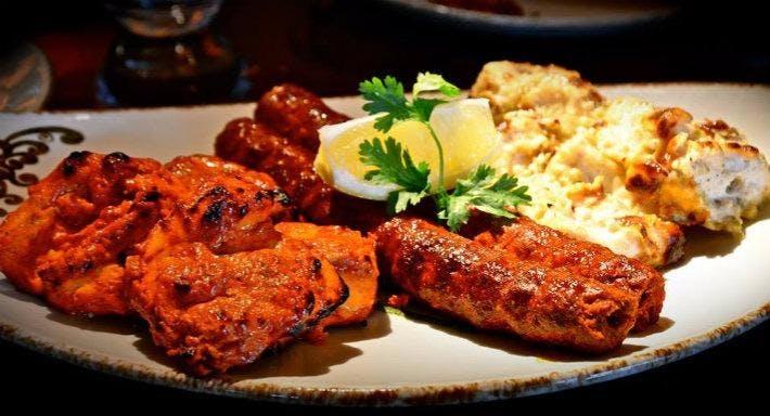 Bay Leaf Bar & Indian Restaurant Dudley image 2