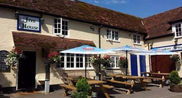 The Brushmakers Arms Upham image 1