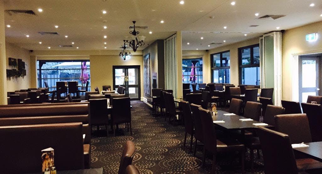 Cardinia Park Hotel Melbourne image 1