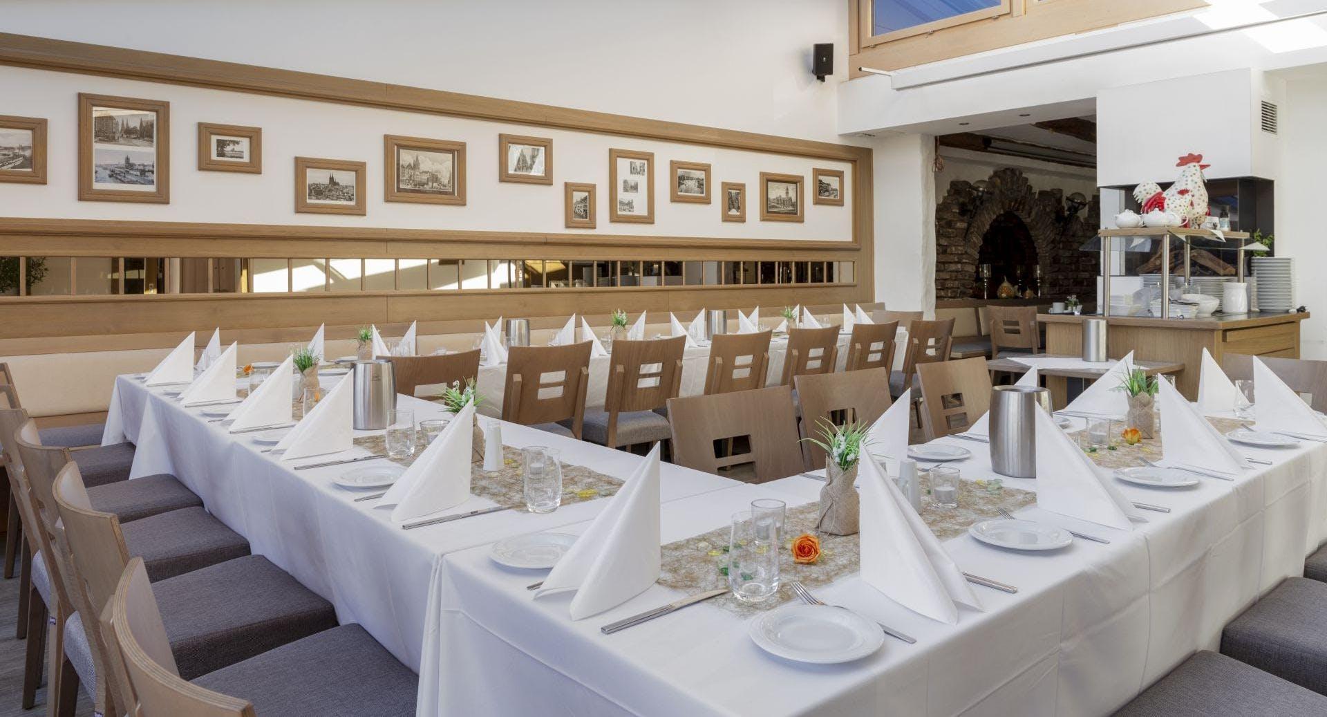 Hotel-Restaurant Triton Köln image 3