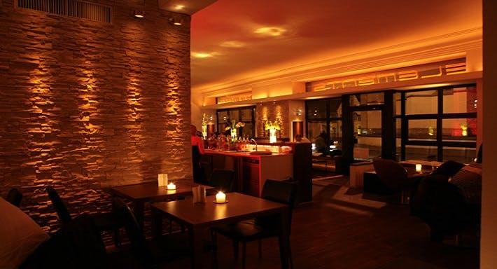 ELEMENTS bar cafe restaurant