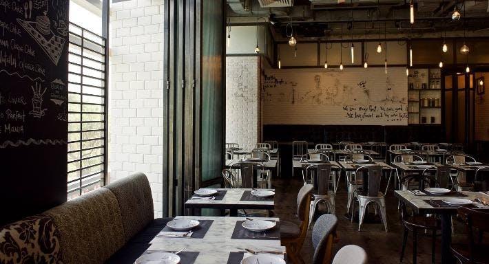 Greyhound Cafe - Elements Hong Kong image 1