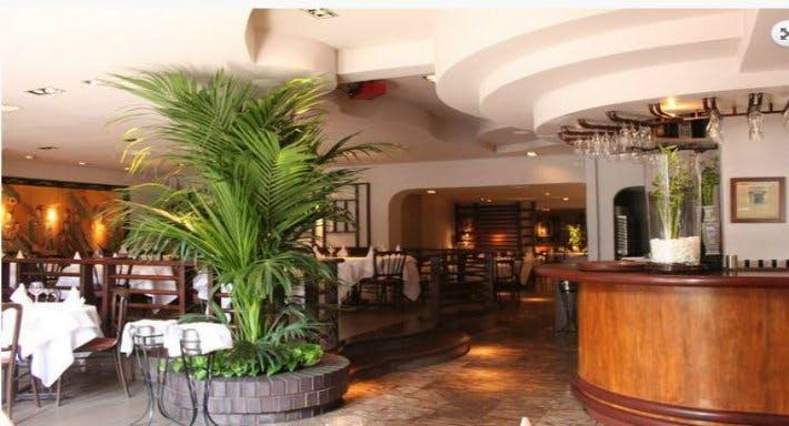 Maxim Chinese Restaurant London image 2