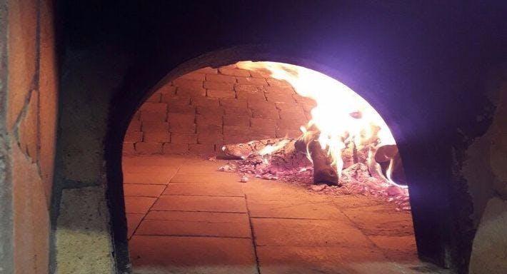 Le Grotte Di Ognina Trattoria Pizzeria Siracusa image 6