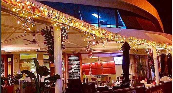 Domanis Cafe Restaurant & Bar