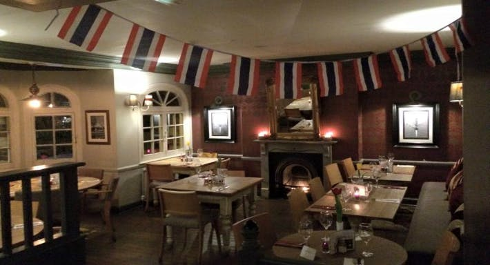 The Bell Inn - Hampton Londen image 2