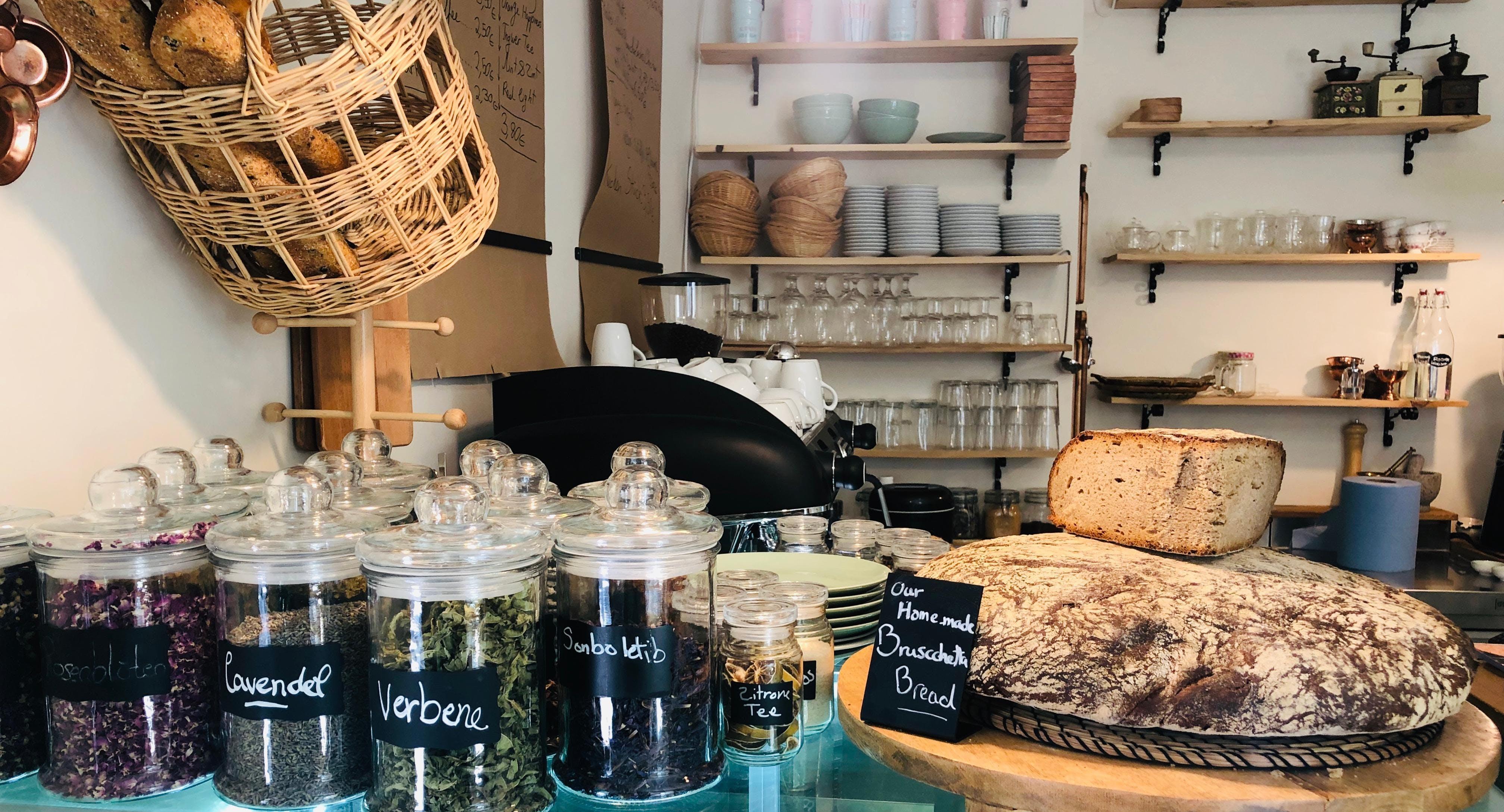 La Violetta Cafe